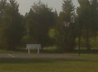 Lonely_basketball_court_2