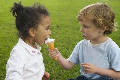 Kids_sharing